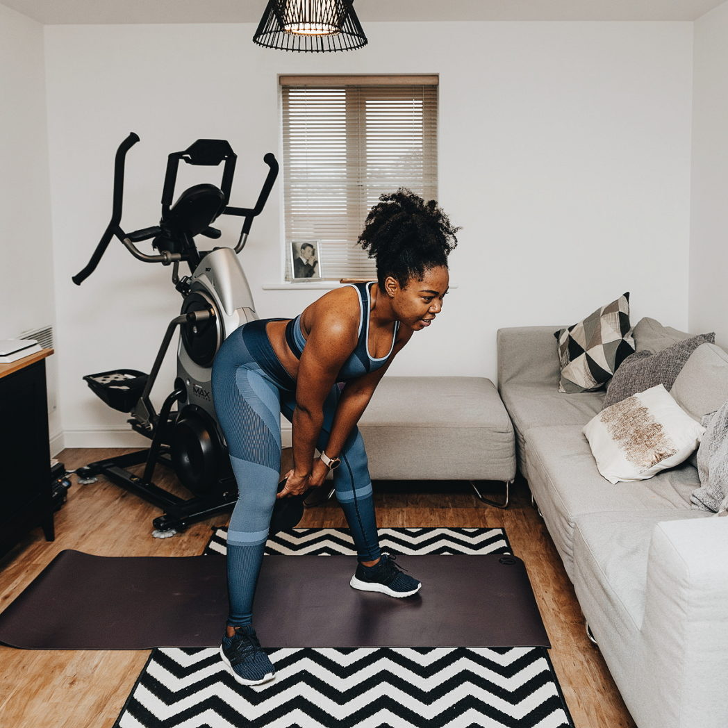 squat phase of kettlebell swing