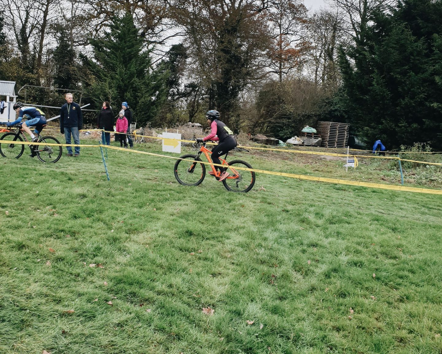 WHAT TO EXPECT AT YOUR FIRST CYCLOCROSS RACE