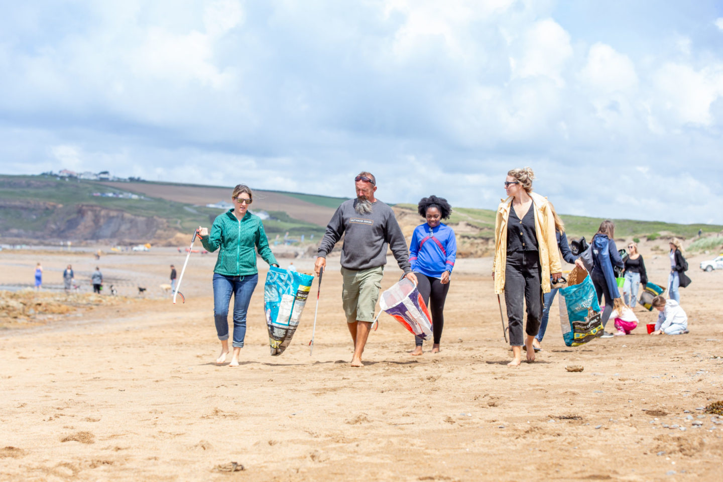 beach clean in widemouth bay, bude, north cornwall